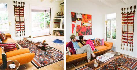 canape boheme la fabrique à déco un canapé orange déco vintage design moderne