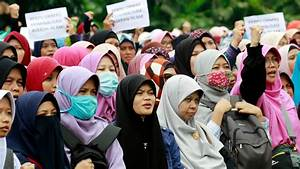 Indonesia bans local branch of Islamic group Hizb ut ...