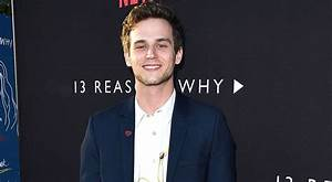 Is Brandon Flynn dating co-star Miles Heizer from '13 ...