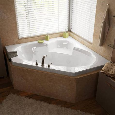 Indoor Tub by 17 Best Ideas About Indoor Tubs On