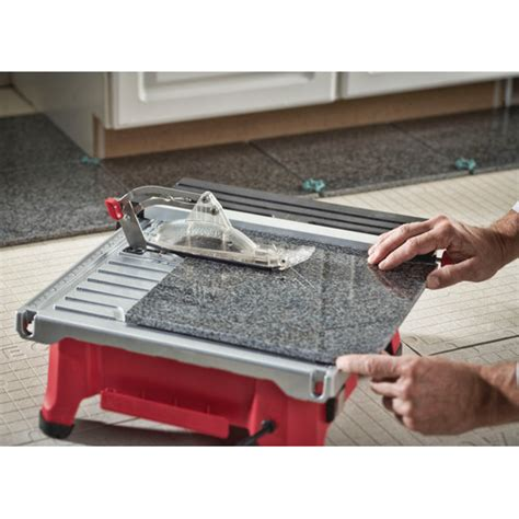 skil tile saw hydrolock skil 3550 02 5 7 in tile saw with hydrolock system