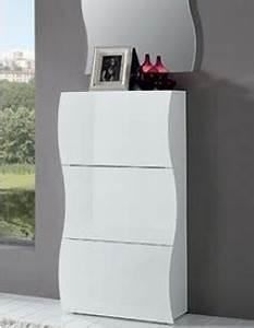 Meuble Chaussure Suspendu : meuble chaussure design pour un rangement tendance ~ Dallasstarsshop.com Idées de Décoration