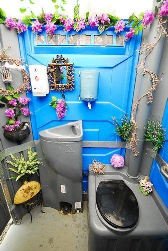 porta potty  outdoor wedding lol port  potty decor