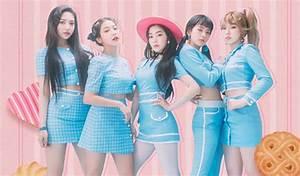 Got7 New Light Stick Netizens Recalls 39 Unofficial 39 Light Stick Of Red Velvet