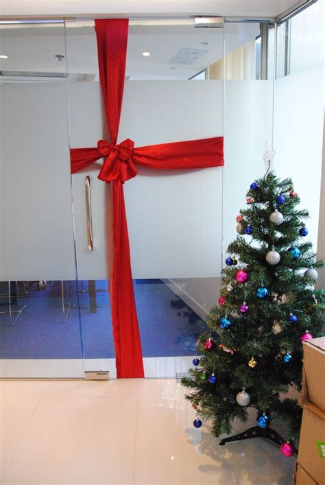 work christmas decorating ideas 21 best work decorations images on decorations merry