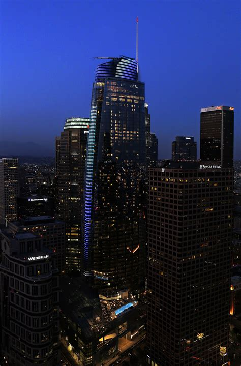 Wilshire Grand Center, the new tallest building in L.A ...