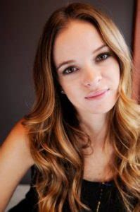 danielle panabaker bio height weight measurements celebrity facts