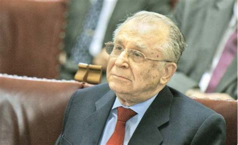 Ion Iliescu, probleme grave de sănătate   DCNewsdcnews.ro › ion-iliescu…de-sanatate…Ion Iliescu ar avea probleme de sănătate. Potrivit România TV, fostul președinte în vârstă de 86 de ani s-ar deplasa destul de greu, acesta reușind să iasă... În 2005, Ion Iliescu a fost supus unei intervenții chirurgicale pentru implantarea a cinci stenturi. De asemenea, în 2012, fostul președinte a mai... Read moreIon Iliescu ar avea probleme de sănătate. Potrivit România TV, fostul președinte în vârstă de 86 de ani s-ar deplasa destul de greu, acesta reușind să iasă din casă doar de câteva ori din casă pe săptămânâ. Absența lui Ion Iliscu a fost semnalată la parada de 1 Decembrie, anc când nu s-a aflat în tribuna oficială de la Acl de Triumf. În 2005, Ion Iliescu a fost supus unei intervenții chirurgicale pentru implantarea a cinci stenturi. De asemenea, în 2012, fostul președinte a mai suferit o intervenție chirurgicală la Spitalul Elias. Kovesi, audiere la Parchet. Norica Nicolai: Acţiune preventivă. Hide(document.querySelector(