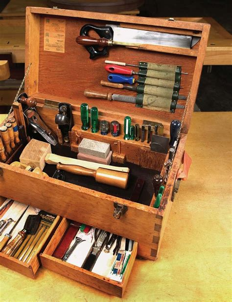 traveling tool chest woodworking projects plans