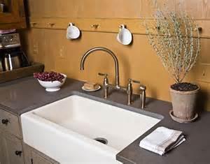 lavabo pour cuisine 17 meilleures idées à propos de tablier d 39 évier sur