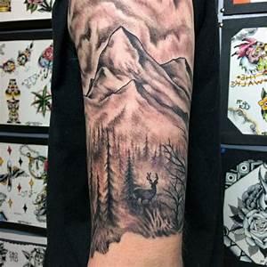 Tatouage Demi Bras Homme : 1001 dessins originaux de tatouage montagne tatoo pinterest tatouage tatouage montagne ~ Melissatoandfro.com Idées de Décoration