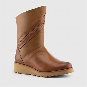 UGG - Women's Lorna Boots (Chestnut)