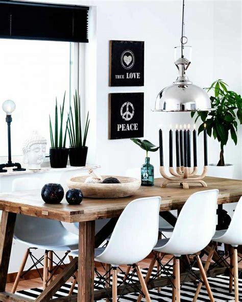 chaises en bois massif 1 salle a manger complete pas cher d esprit loft avec fenetres grandes table en bois