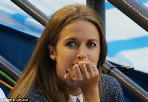 wedding rings square cut andy murray and sears vs tomas berdych and ester satorova at australian open daily mail