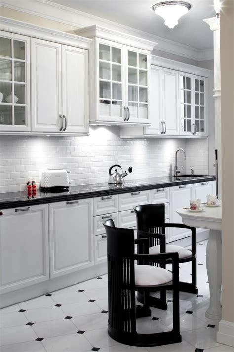 cuisine carrelage noir carrelage noir et blanc 25 idées originales