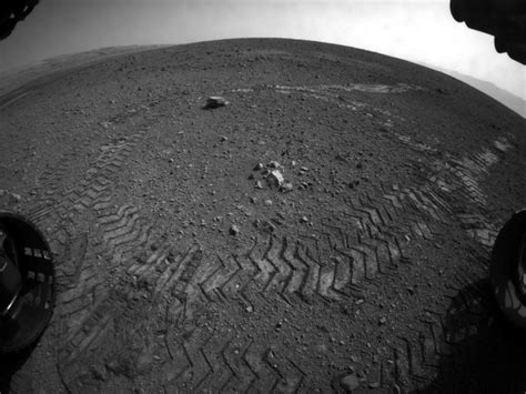 What's On Mars ? Chemcam Laser First Analyses Yield ...