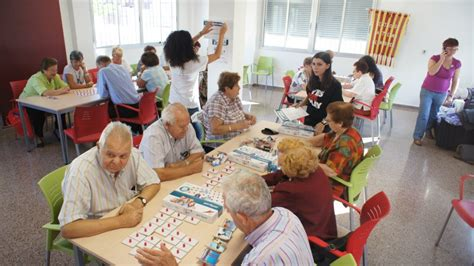 Los juegos recreativos para adultos son actividades pensadas para este colectivo de personas para fomentar una serie de valores de una forma divertida y amena. XXL Games. Juegos para ejercitar la memoria | Juguetes Cayro