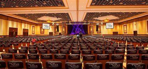 Entertainment  Twin River Casino Hotel