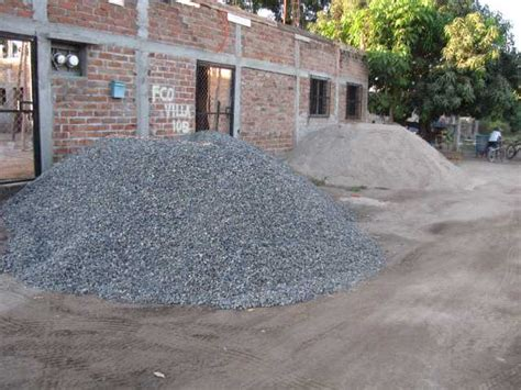 How Much Gravel Is In A Yard