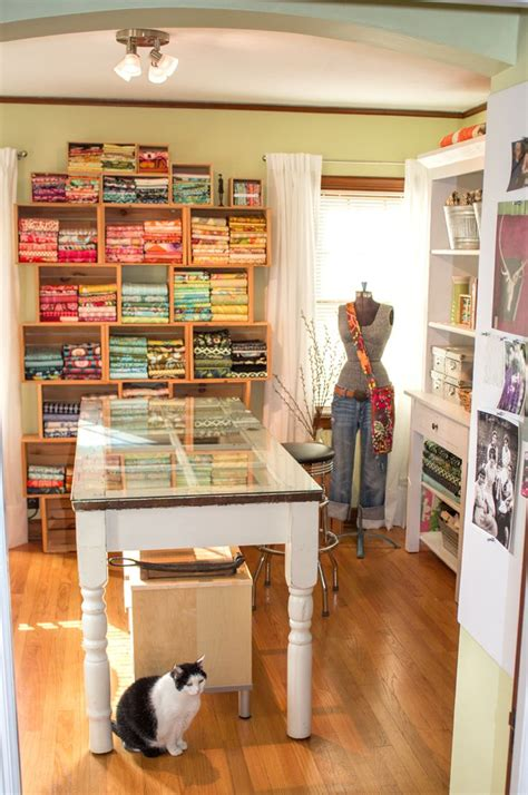 Best 25+ Sewing Rooms Ideas On Pinterest  Sewing Room