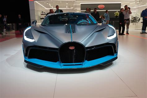 How Fast Can A Bugatti Go by Bugatti Chiron S Titanium Grille Stops Birds From Smashing