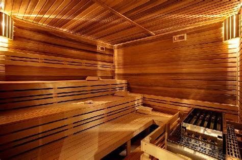Feucht In Der Sauna by 301 Moved Permanently