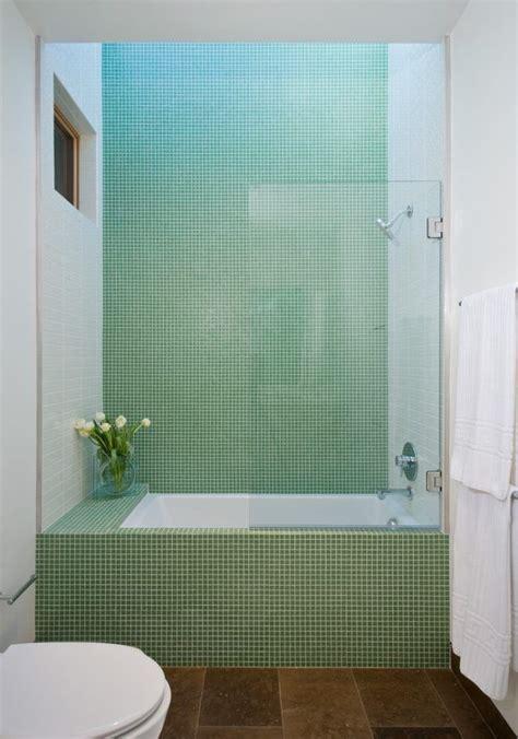 Kleines Badezimmer Größer by Die Besten 25 Badezimmer Mit Mosaik Fliesen Ideen Auf