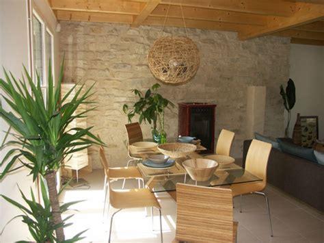 deco cuisine rustique allier vieux meubles et déco plus moderne