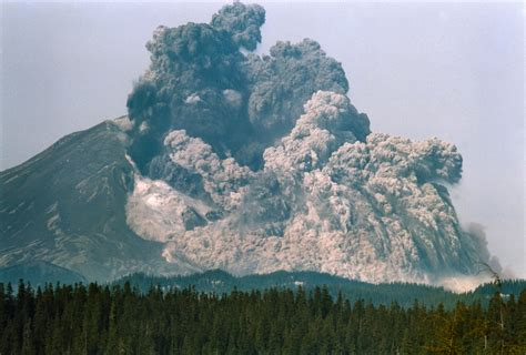 my time travel back to the 1980 eruption of mt st helens the time travelling journalist