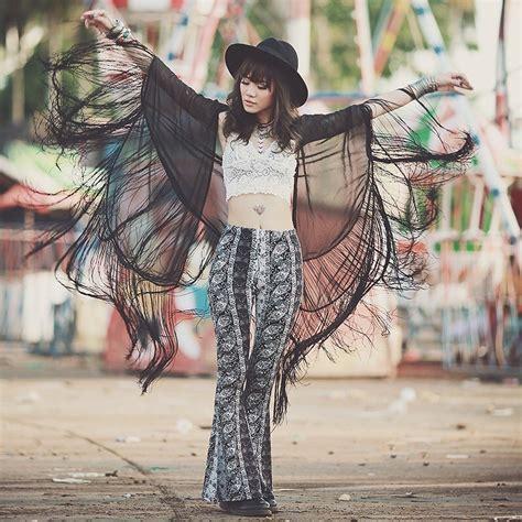 Boho Chic (Bohemian Style) Inspiration Ideas 2018   FashionGum.com