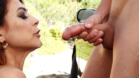 luscious slut with pierced nose gives a proper blowjob and gets nailed outdoor