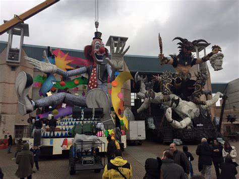 Ingresso Carnevale Viareggio Cittadella Carnevale Ingresso Gratuito Per I Musei