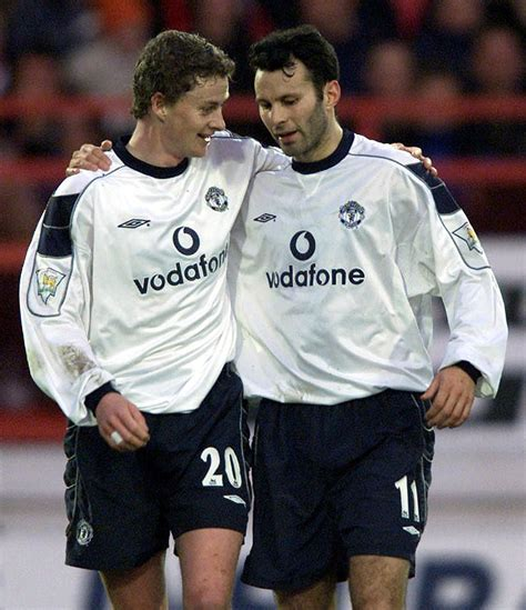 Giggs: Solskjaer needs another five signings to rejuvenate ...
