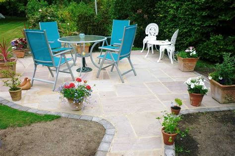 Patio Garden by Allscapes Patios And Pathways