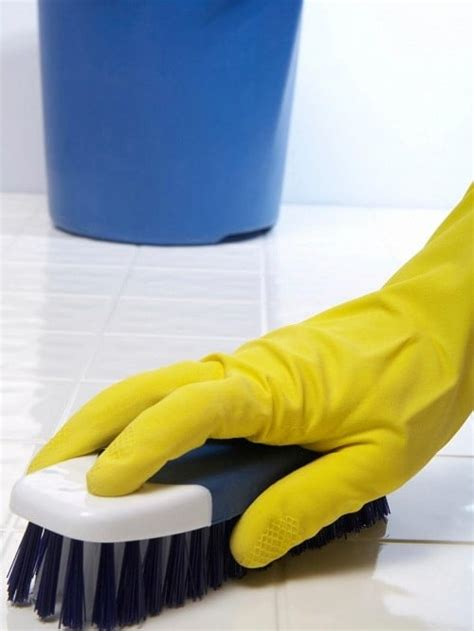ways  clean bathroom tiles diy tips