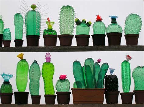 pflanzen bewässern pet flaschen alte pet flaschen werden zu kreativen plastikfiguren