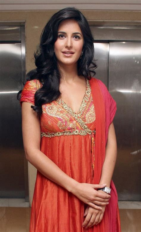 New Ladies Fashion Trend And Hair Styles Indian Bollywood