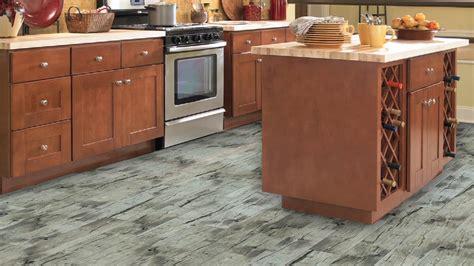 ceramic kitchen floor tile lumber liquidators click ceramic plank tile flooring is 5176