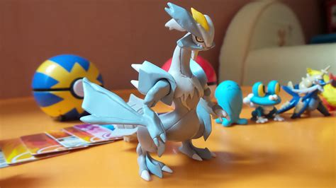 bureau de poste 8 pokémon x y les jouets tomy insert coin