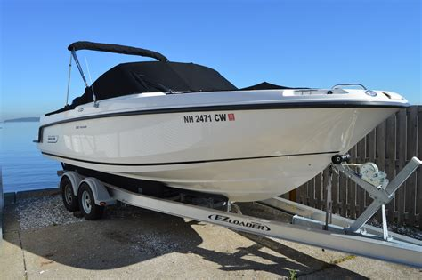 Vantage Boat Loans by 2015 Boston Whaler 230 Vantage Power Boat For Sale Www