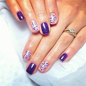 Top purple nails are punchy and perfect