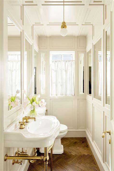 Small Bathroom Mirrors by Best 25 Bathroom Mirrors Ideas On Guest Bath