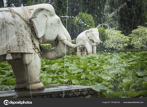 Garten Der Jungfrauen Udaipur by Saheliyon Ki Bari Hof Der Jungfrauen Befindet Sich Ein