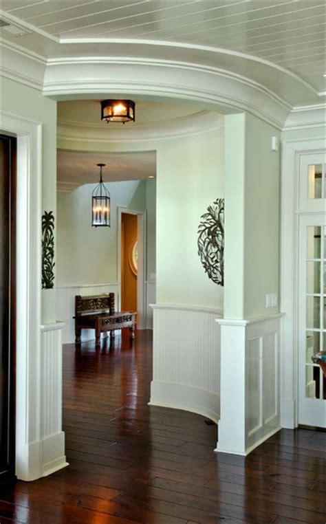 circular camera small room transition  foyer