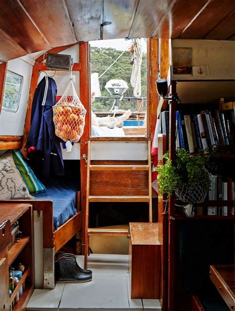 Living On A Boat Shower by 25 Best Ideas About Sailing On Sailing Boat