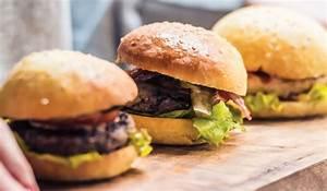 Bun Bun Burger Schwenningen : reinhart foodservice are your burger buns real bread winners ~ Avissmed.com Haus und Dekorationen