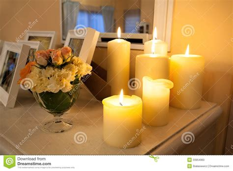 stock candele candele accese fotografia stock immagine di illuminato