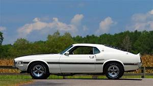 A 1970 Shelby Mustang GT350 is up for auction | Vehiclejar Blog