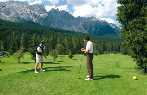 Playing Golf in Ground | HD Wallpapers