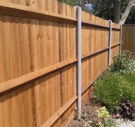 Concrete, Timber Fence Posts & Concrete Spurs   Surrey No1 ...